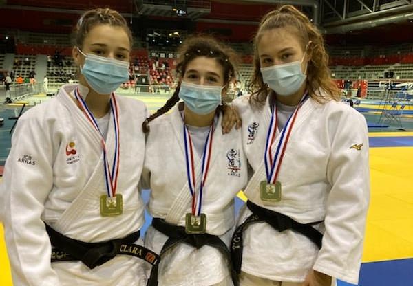 3 médailles d'or aux demi- finales des championnats de France Séniors 1ère division
